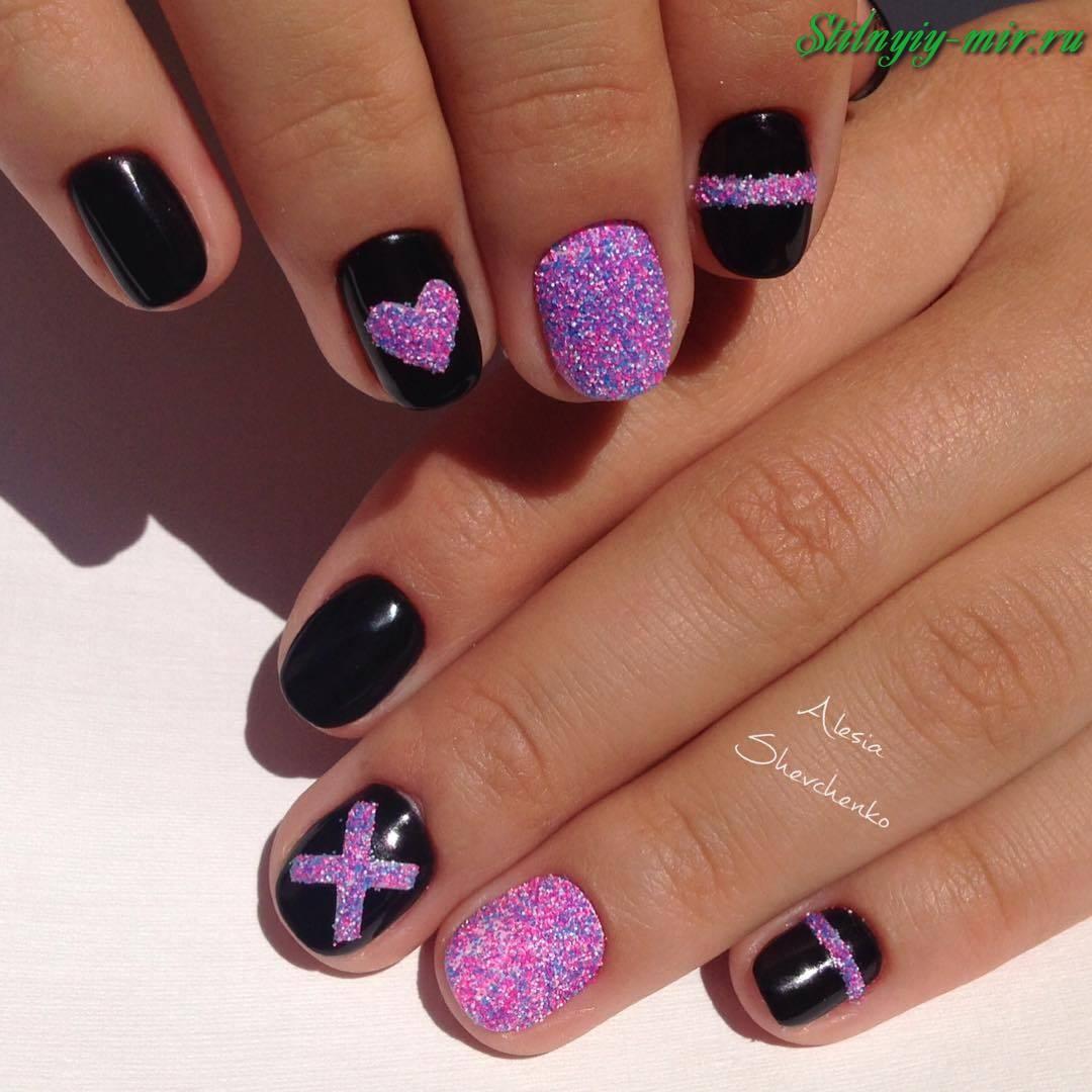 Le Unghie Sono Nere Con Un Motivo Quadrato Manicure Nera Opzioni