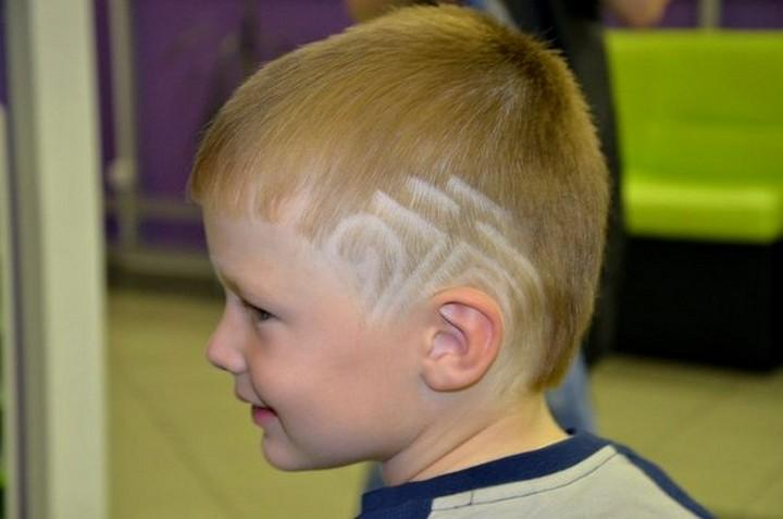 Tagli Di Capelli Per Bambini 2016 : Tagli di capelli alla moda per i ragazzi di 12 anni. tagli di