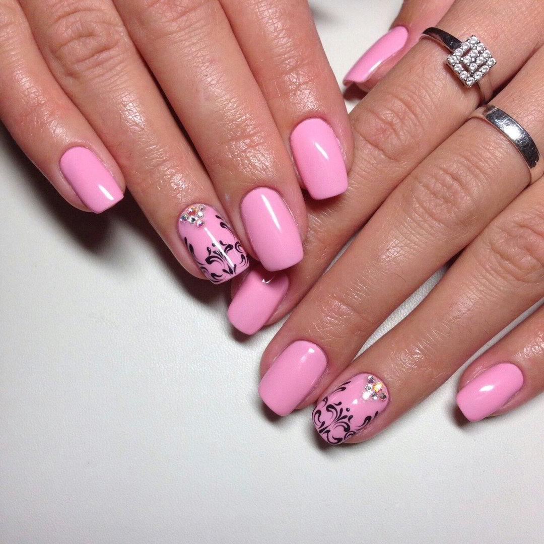 Маникюр с ярко розовым гель лаком (61 фото)