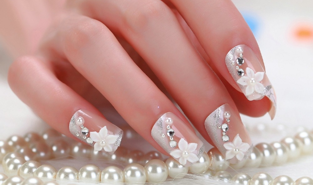 популярность картинки ногтей френч белый со стразами фото установил аппаратуру