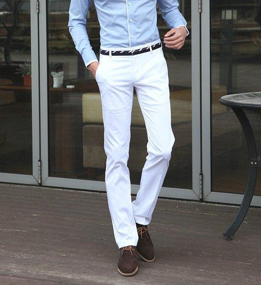 З якою взуттям носити білі брюки. З чим надягати світлі чоловічі штани 7ccd0b8edad56